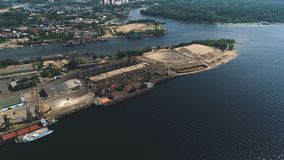 Luftsikt av flodporten i Ryssland, Samarastad arkivfilmer