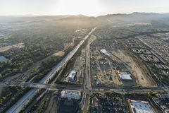 Luftsonnenuntergang-Ansicht von Porter Ranch stockbilder