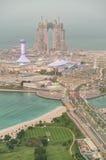 Luftsonnenuntergangskyline von Abu Dhabi-Jachthafen, UAE Stockfotografie