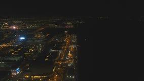 Luftstadt mit Wolkenkratzern und Gebäuden bis zum Nacht Philippinen, Manila, Makati stock video footage