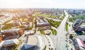 Luftstadtansicht mit Straßen, Häusern und Gebäuden Lizenzfreie Stockbilder