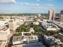 Luftstadtbild von im Stadtzentrum gelegenem San Antonio, Texas Facing Towards E stockbilder