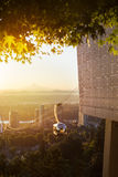 Lufttram in Portland, Oregon während des Morgensonnenaufgangs Lizenzfreie Stockfotos