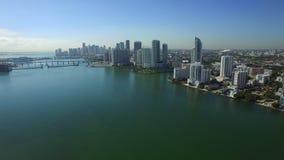 Luftvideo im Stadtzentrum gelegenes Miami FL stock video