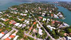 Luftvideo von Sonnenuntergang-Hafen-Inseln stock video