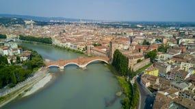 Luftvideodreh mit Brummen von Verona Stockbild