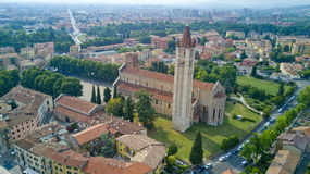 Luftvideodreh mit Brummen von Verona Stockbilder