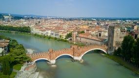 Luftvideodreh mit Brummen von Verona Lizenzfreie Stockbilder
