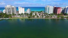 Luftvideomiami beach-Küsteneigentumswohnungen stock footage
