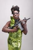 Luftwiderstandkönigin mit Gewehr Lizenzfreie Stockfotografie