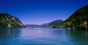 Lugano-Stadt und See Lizenzfreie Stockbilder