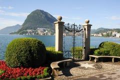 Lugano, Svizzera - vista del golfo dal giardino botanico Fotografie Stock Libere da Diritti