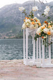 Lugar adornado para una ceremonia de boda Imagen de archivo libre de regalías