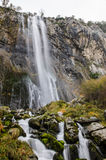Lugar carregado rio de Ason em Cantábria fotos de stock royalty free