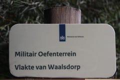 Lugar da relembrança no Waalsdorpervlakte nas dunas perto de Den Haag onde membros da resistência onde matado durante o wor imagem de stock royalty free