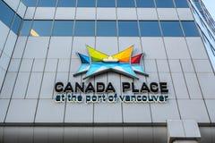 Lugar de Canadá en el puerto de centro de convenio de Vancouver - de Vancouver y de puerto del barco de cruceros imagen de archivo