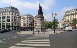 Lugar de Clichy em Paris, França fotografia de stock royalty free