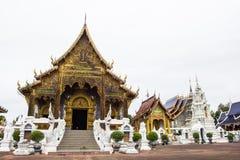 Lugar de culto bonito com ensinos religiosos em Chiangmai fotos de stock