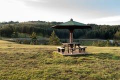 Lugar de descanso para viajantes, montagem Zlatibor, Sérvia fotos de stock royalty free