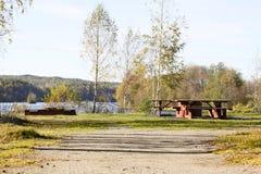 Lugar de descanso por el río sueco Fotografía de archivo