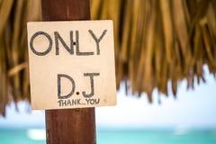 Lugar de DJ en la playa imagenes de archivo