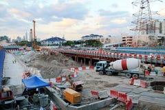 Lugar de la construcción en ciudad Foto de archivo libre de regalías
