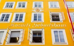 Lugar de nacimiento de Wolfgang Amadeus Mozart en Salzburg, Austria fotografía de archivo libre de regalías