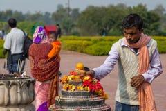 Lugar de nascimento de visita das Budas do peregrino em Lumbini, Nepal Fotos de Stock Royalty Free