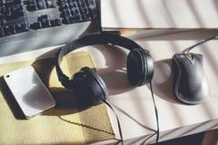 Lugar de trabajo con música Imagen de archivo