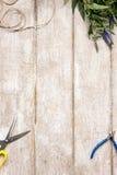 Lugar de trabajo del decorador, endecha de Flat del florista foto de archivo libre de regalías