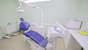 Lugar de trabajo del dentista With Dental Unit metrajes
