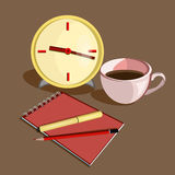 Lugar de trabajo del negocio con el reloj, pluma lápices y taza de café Fotos de archivo libres de regalías