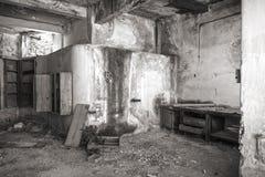 Lugar de trabajo en una fábrica abandonada Fotografía de archivo