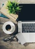 Lugar de trabajo, herramientas de la oficina Imagen de archivo