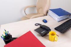 Lugar de trabajo vacío de la oficina Foto de archivo