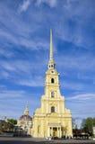 Lugar do interesse da cidade da catedral de St Petersburg da fortaleza dos apóstolos Pyotr e Pavel Imagens de Stock Royalty Free