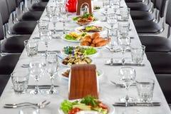 Lugar em uma tabela de banquete Fotografia de Stock