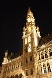 Lugar grande, Bruxelas (Bélgica) em a noite fotografia de stock