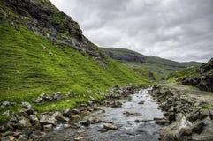 Lugar icónico del río de Saksun en la isla de Streymoy, Faroe Island, Dinamarca, Europa Imagenes de archivo