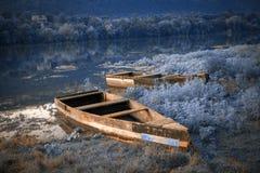 Lugar misterioso com barcos foto de stock