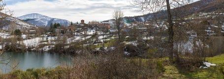 Lugar montanhoso de Otero de Guardo em Palencia no inverno foto de stock royalty free