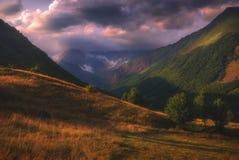 Lugar pacífico en las montañas de Georgia fotografía de archivo libre de regalías