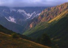 Lugar pacífico en las montañas de Georgia Imágenes de archivo libres de regalías