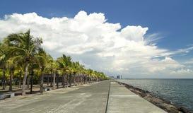 Lugar para uma caminhada, beira-mar de Manila fotografia de stock royalty free