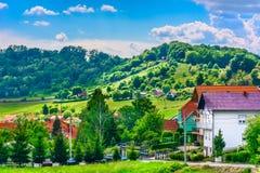 Lugar pitoresco pequeno em Zagorje foto de stock royalty free