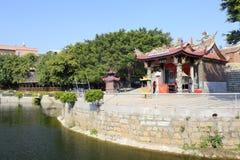 Lugar popular de la creencia por el lago Fotografía de archivo libre de regalías