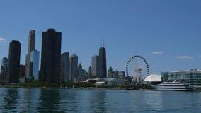 Lugar popular en Chicago - embarcadero de la marina de guerra - CHICAGO, ESTADOS UNIDOS - 11 DE JUNIO DE 2019 almacen de video