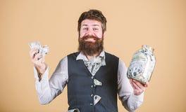 Lugar seguro para guardar el dinero Contable personal Hombre de negocios con sus ahorros del d?lar Riqueza y bienestar Seguridad  fotografía de archivo libre de regalías