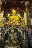 Lugares de culto e arte do templo de Tailândia Fotos de Stock Royalty Free