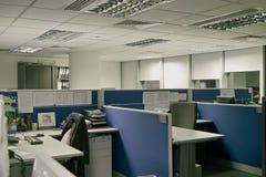 Lugares de trabajo de oficina Fotos de archivo libres de regalías